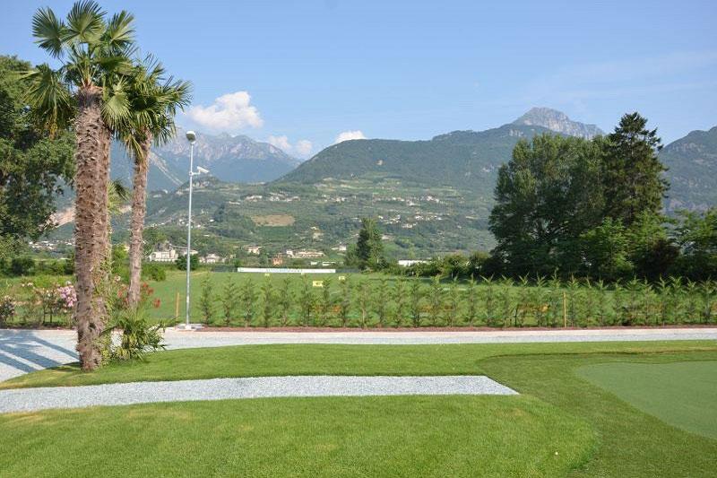 Golfanlage mit Bergblick